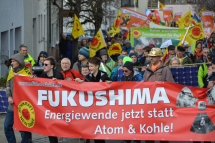 b_215_215_16777215_00_images_stories_akt19_190310-demo_190310-fukushima-demo-neckarwestheim-20.jpg